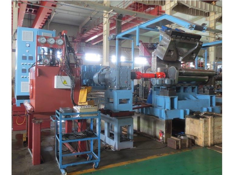 桂林合众国际橡塑机械单辊筒机头挤出生产线